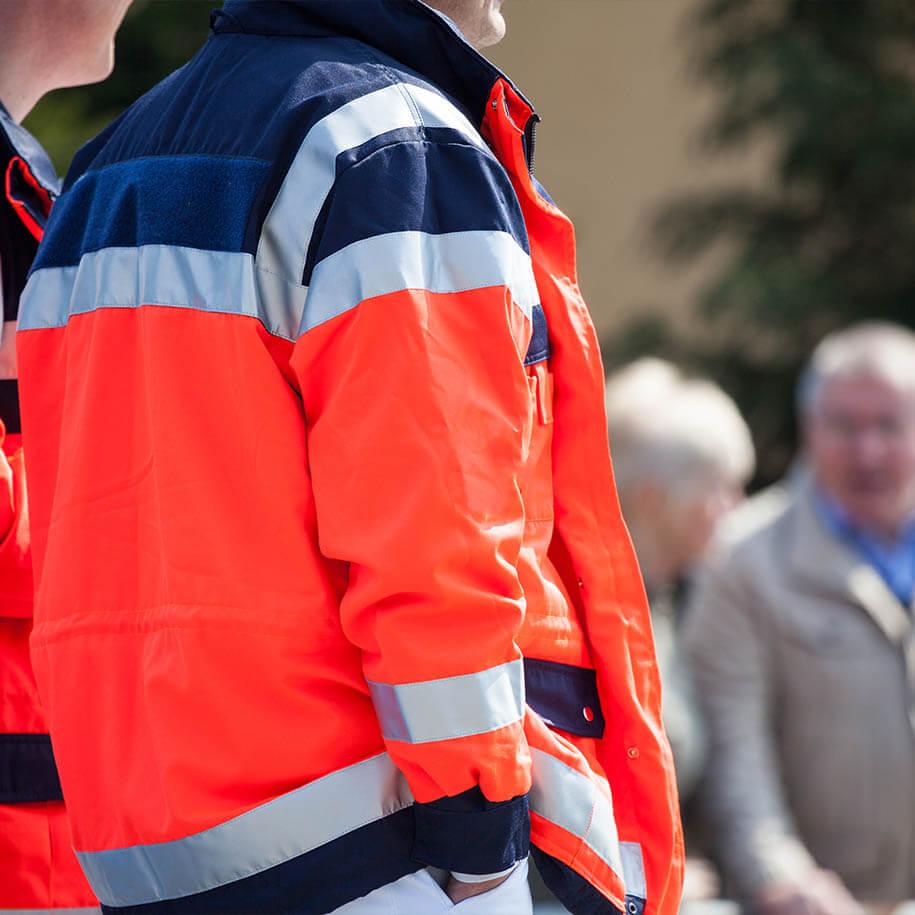 https://www.bps-protect.de/wp-content/uploads/2021/09/ambulanzteam_auf_einem_event.jpg