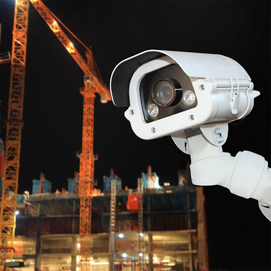 https://www.bps-protect.de/wp-content/uploads/2021/09/sicherheitskamera_auf_baustelle.jpg